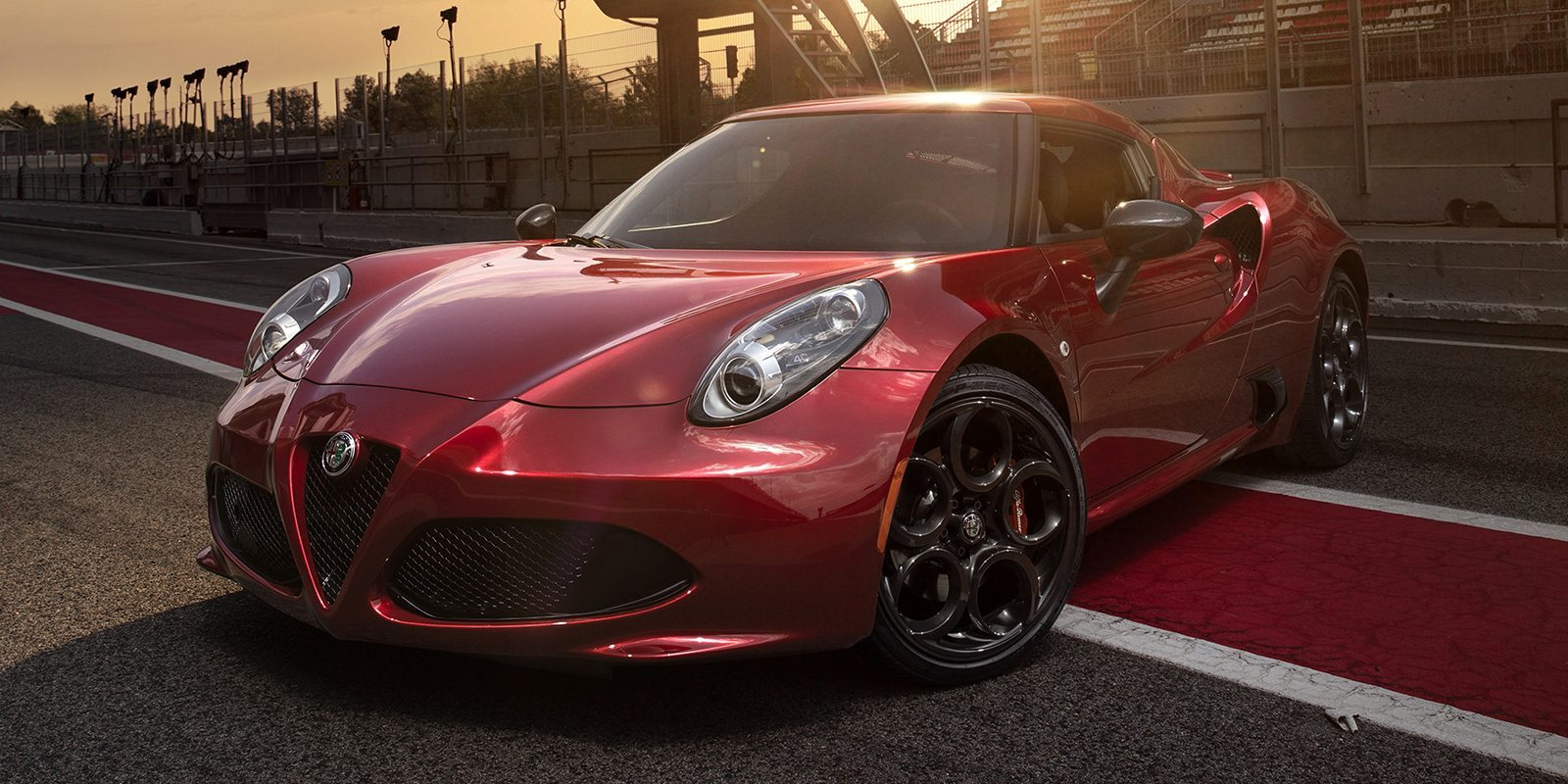 2018 alfa romeo 4c coupe car 2018 alfa romeo 4c car price engine full technical. Black Bedroom Furniture Sets. Home Design Ideas