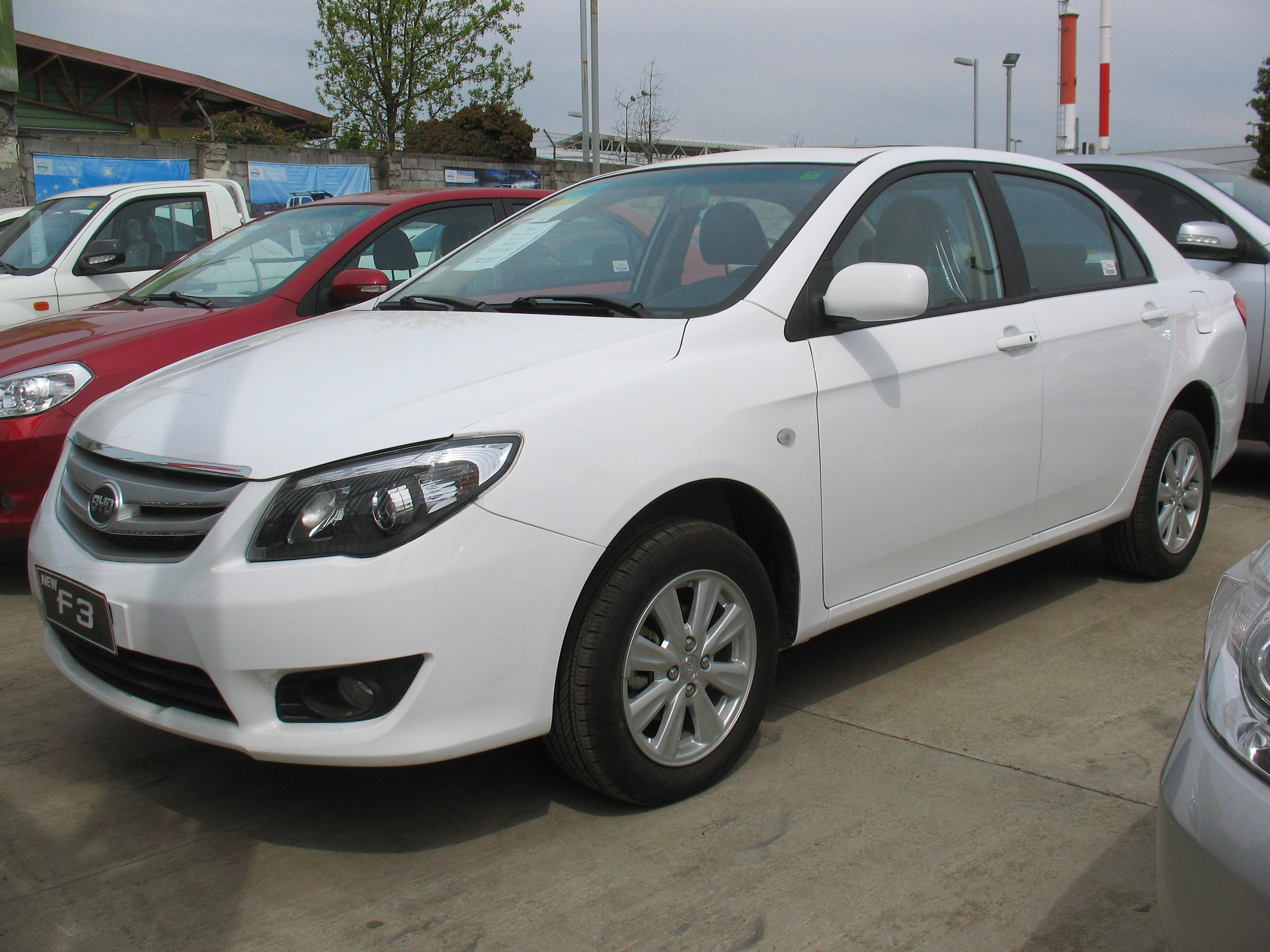 2018 BYD F3 GLXI Price in UAE, Specs & Review in Dubai ...