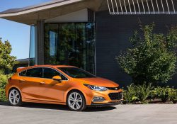 Chevrolet Cruze Hatchback 1.8 LT Hatchback Images