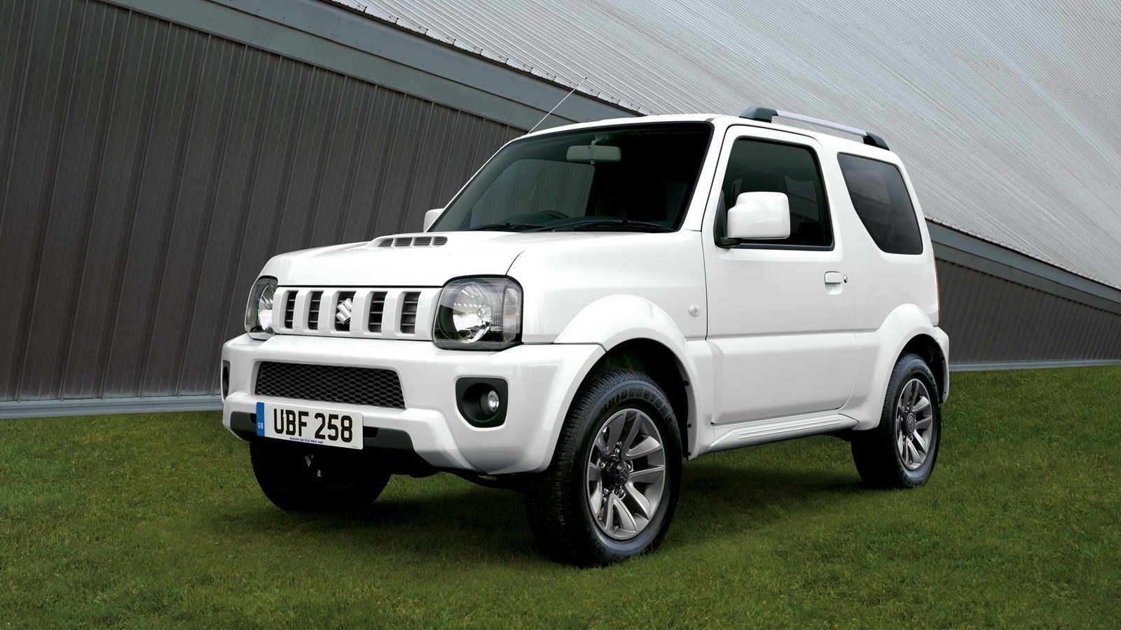 2017 suzuki jimny m t price in uae specs review in. Black Bedroom Furniture Sets. Home Design Ideas