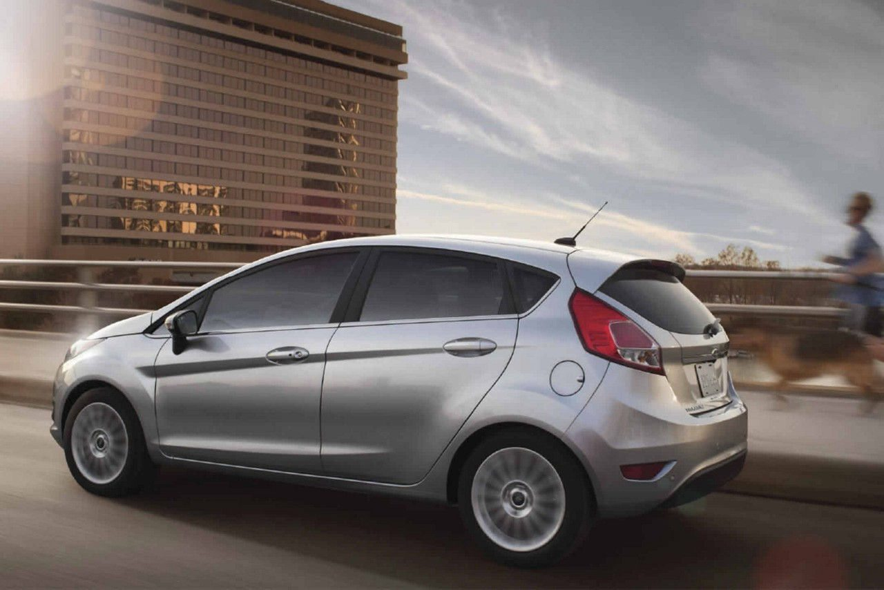 2017 ford fiesta 1 6l titanium prices specifications in uae. Black Bedroom Furniture Sets. Home Design Ideas