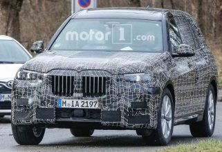 Production-Ready Prototype of New BMW X7 Spotted
