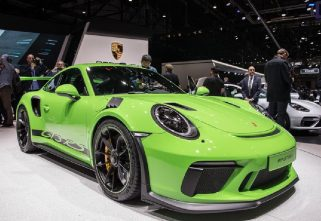 GIMS 2018: Porsche 911 GT3 RS Gets New Tricks For 2019