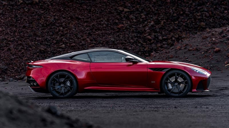Aston Martin DBS Superleggera V12