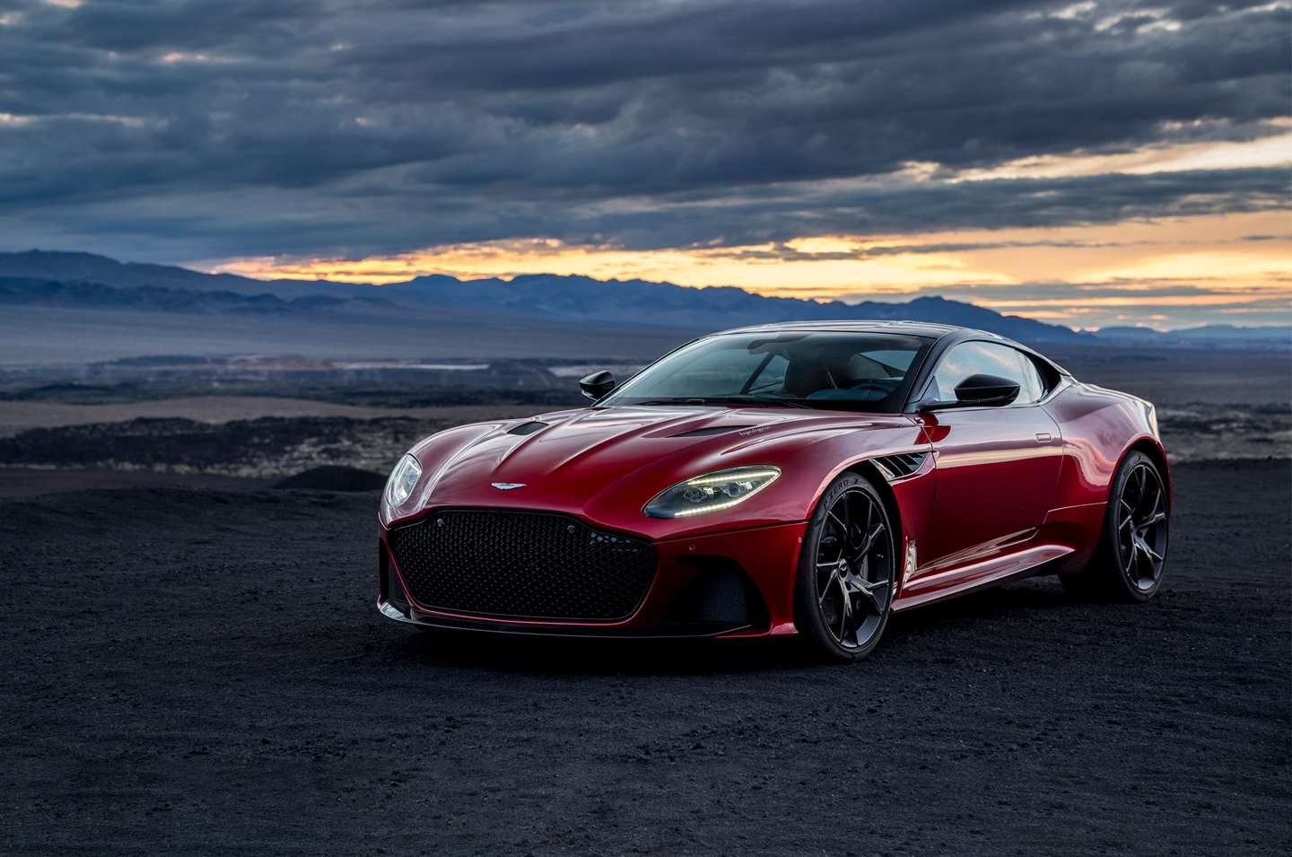 2018 Aston Martin DBS Superleggera V12 Price In UAE, Specs