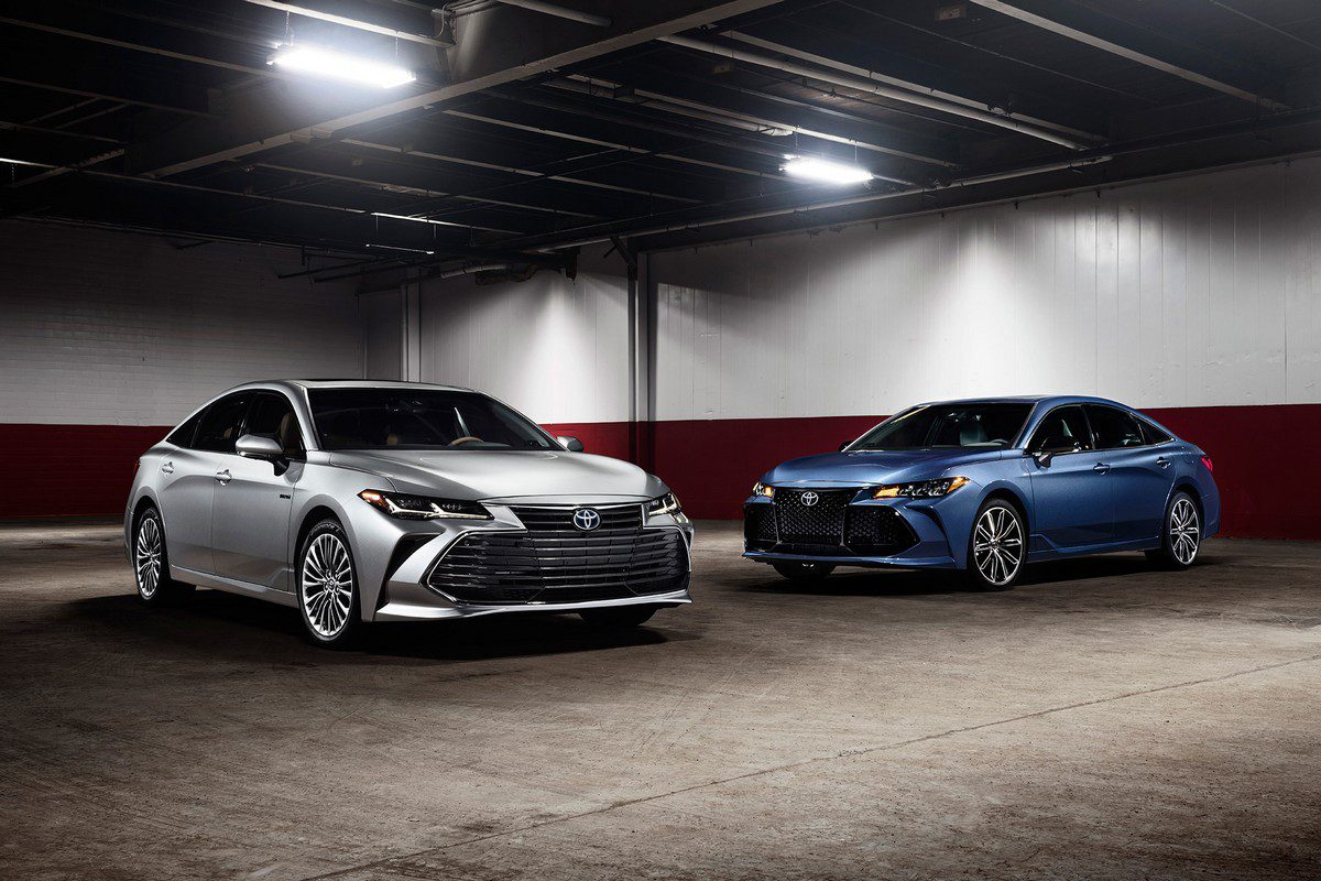 Al-Futtaim Toyota Debuts 2019 Avalon In UAE: No Escaping That Grille