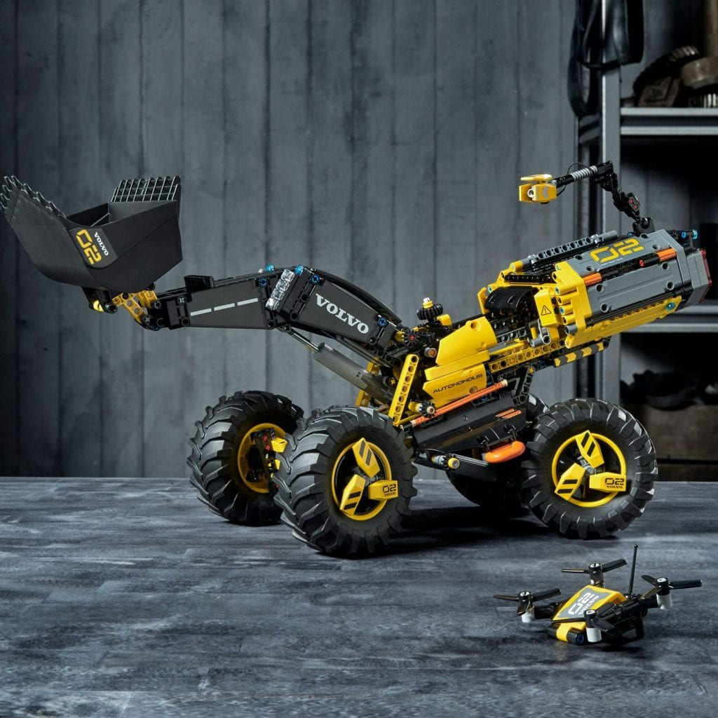 LEGO Technic Volvo Concept Loader ZEUX